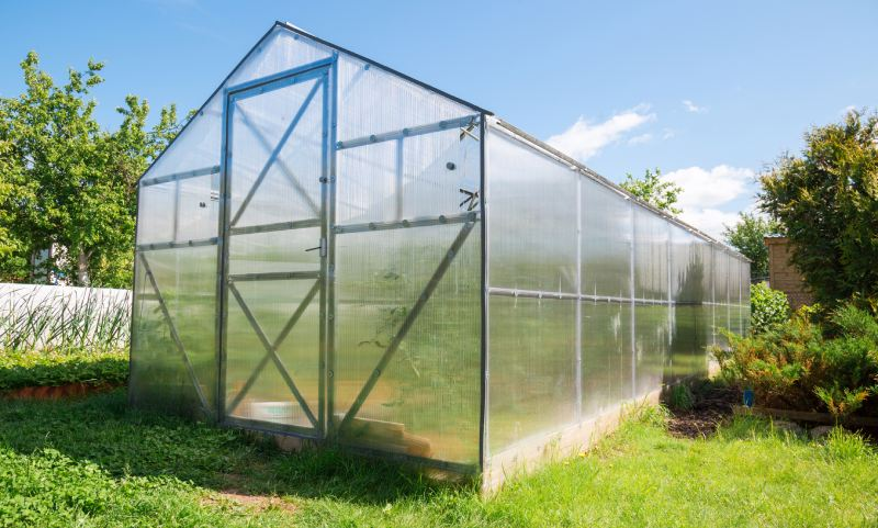 Greenhouse with TwinWall polycarbonate plastic panels